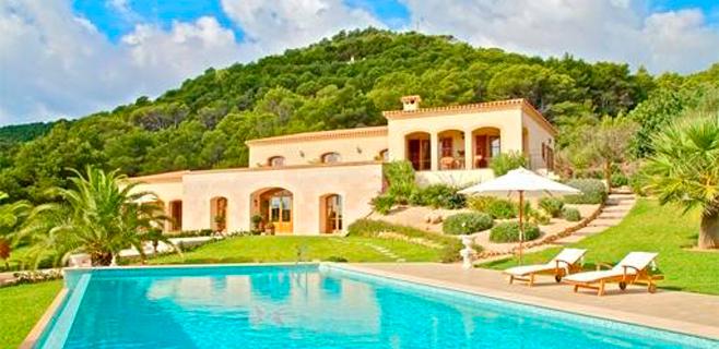 Los extranjeros realizan 4 de cada 10 transacciones inmobiliarias en Balears