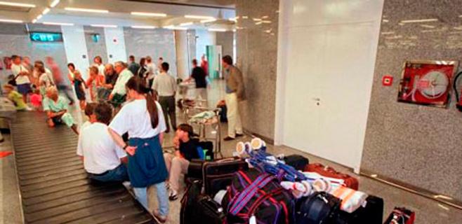 Huelga de maletas en Son Sant Joan durante la próxima Semana Santa