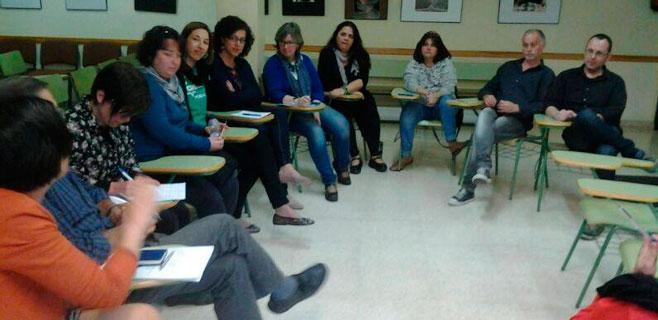 Docentes y padres se reúnen para elaborar el Llibre verd de l´Educació