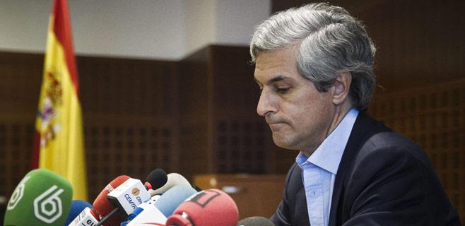 El hijo de Suárez pide la retirada del libro de Pilar Urbano