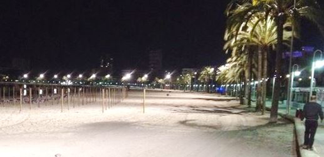 Calvià ilumina la playa de Magaluf