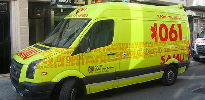 El 061 suma 9 ambulancias a su flota para reforzar la temporada de verano