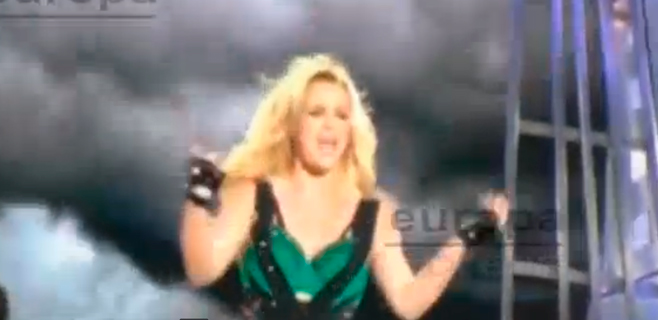 Britney Spears le rompe la nariz a una de sus bailarinas