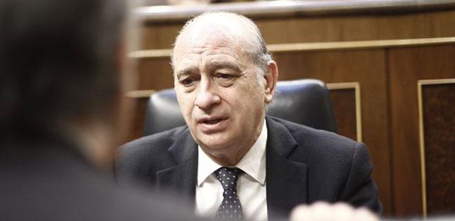 La defensa del pederasta pide investigar al ministro