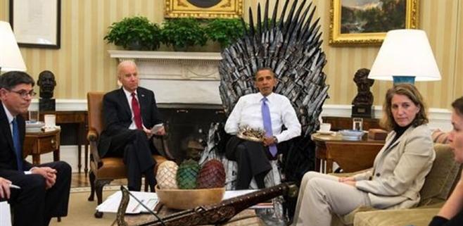 Barak Obama se sienta en el Trono de Hierro