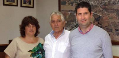 Ses Salines entrega a Aspanob la recaudación de la fideuà solidaria