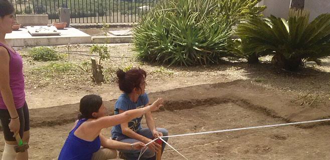Los arqueólogos hallan restos de balas en la fosa franquista de Sant Joan