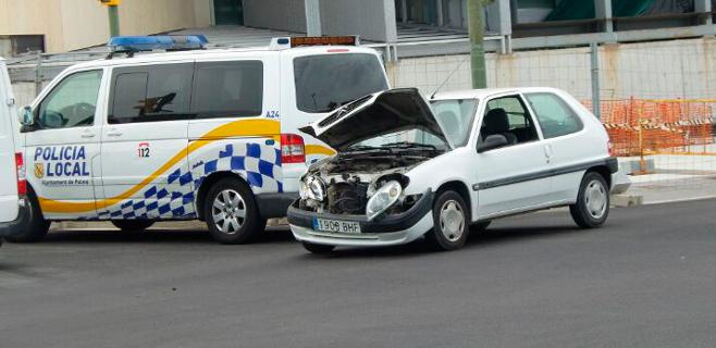 Dos heridos en un choque entre dos coches en la calle Manuel Azaña