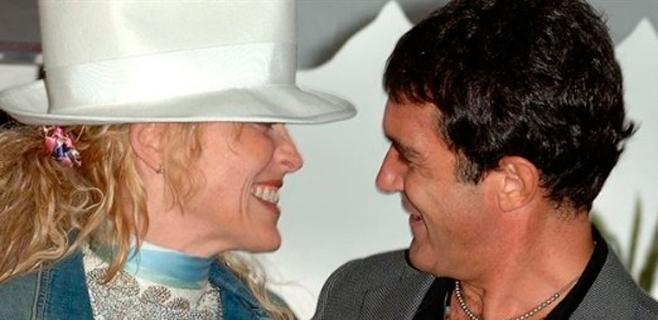 Antonio Banderas olvida a Melanie con Sharon Stone