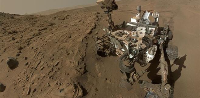 Curiosity cumple su primer año marciano
