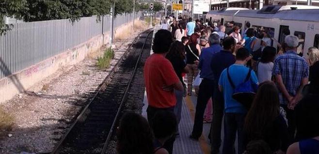 El tren recupera la normalidad tras varias horas de retrasos por una avería