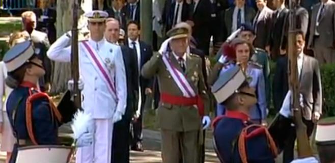El rey preside por última vez el Día de las Fuerzas Armadas