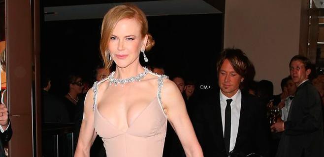 Nicole Kidman estrena exuberante escote
