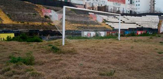Cort prevé tener totalmente demolido el estadio Lluís Sitjar a final de este año