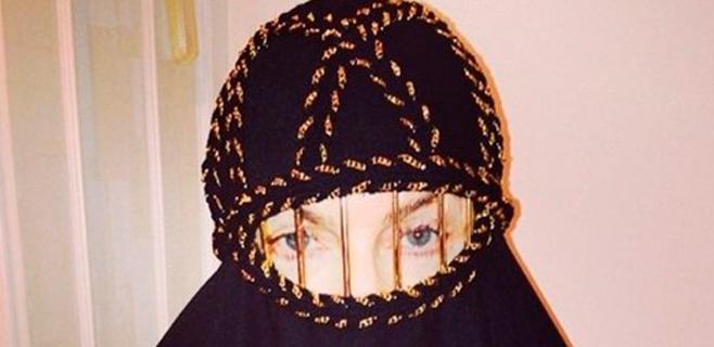 Madonna, con burka