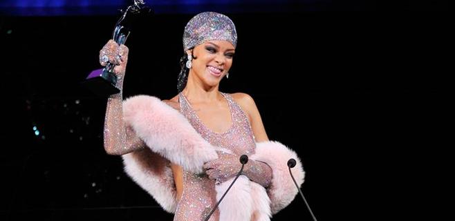 Rihanna no deja nada a la imaginación