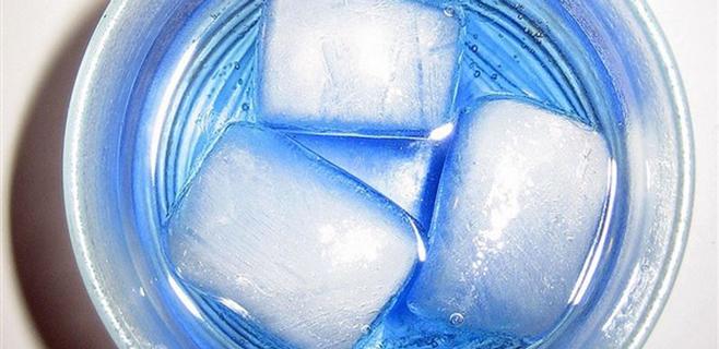 Alcohol y bebidas energéticas, combinación adictiva