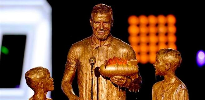 David Beckham y sus hijos se pringan de oro