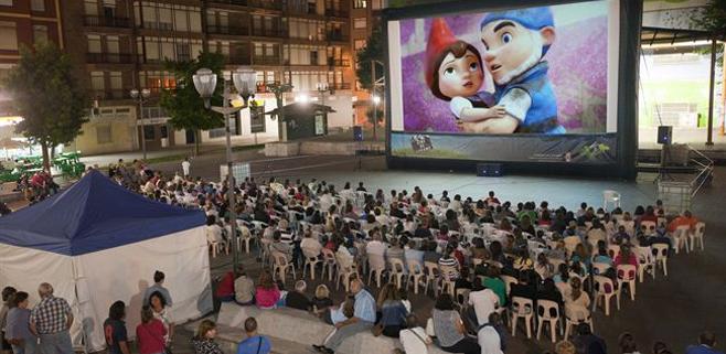 Los cines de verano no podrán poner estrenos