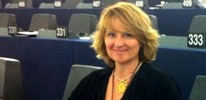 Estaràs toma posesión en Estrasburgo de su acta como eurodiputada