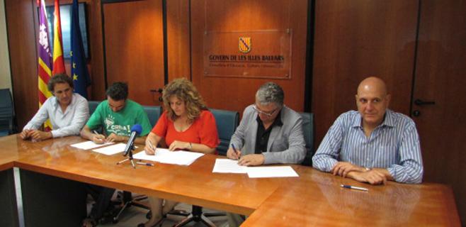 Educació, STEI y AMPE firman el Pacto de Estabilidad de los docentes interinos