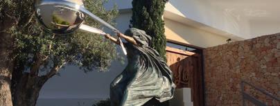 Lorenzo Quinn expone en Marina Ibiza