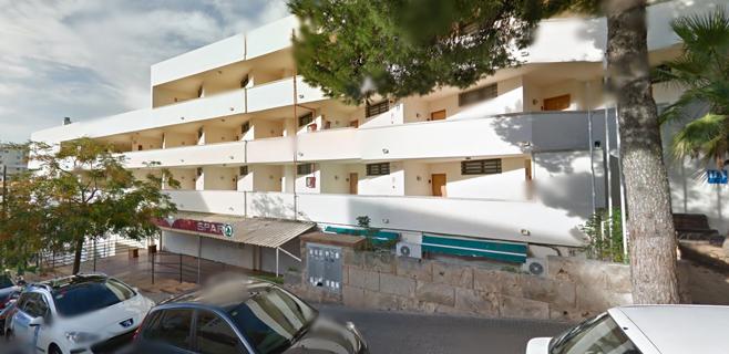 Fallece un joven al precipitarse de un cuarto piso de un edificio de Magaluf