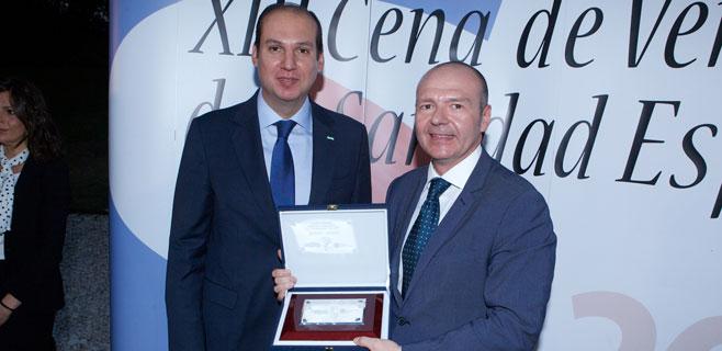 Miquel Tomàs recibe un premio por su gestión del Ib-Salut