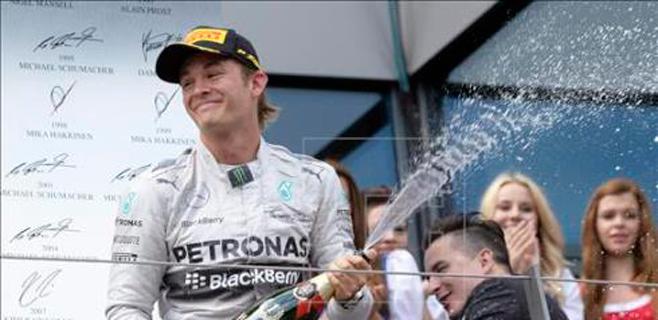 Rosberg vuelve a ganar con Alonso quinto