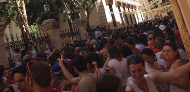 Miles de personas celebran en Palma el clásico San Fermín del Bar España