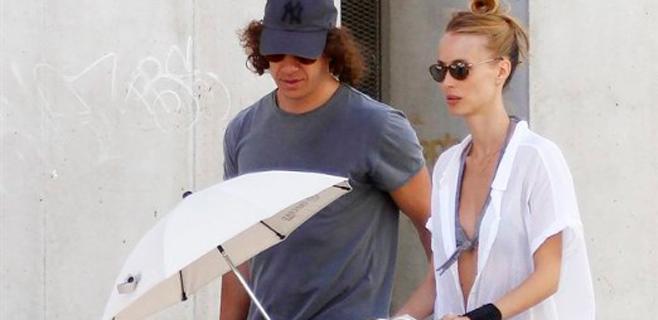 Vanesa Lorenzo y Puyol presumen de hija en Eivissa
