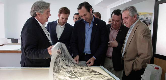 Bauzá visita varias empresas de Inca