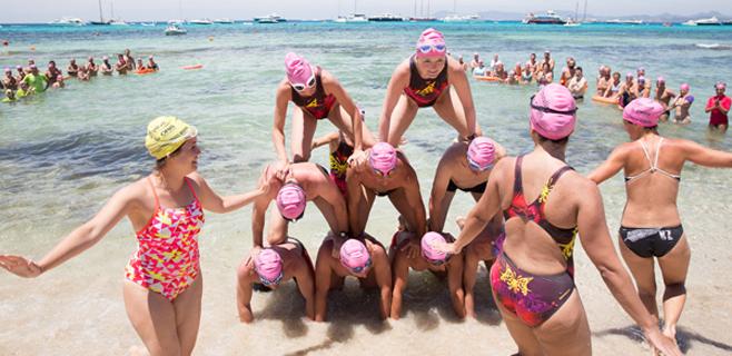 238 nadadores participan en la XV Vuelta a Formentera