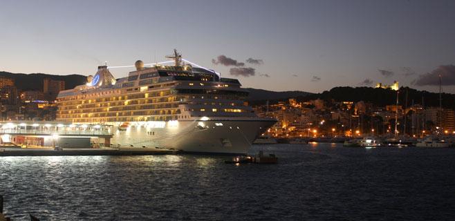 Los puertos baleares marcarán récord en 2015 con 2 millones de cruceristas