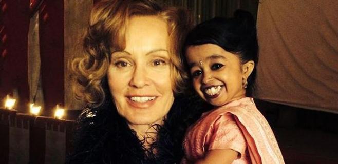 American Horror Story ficha a la mujer más baja del mundo