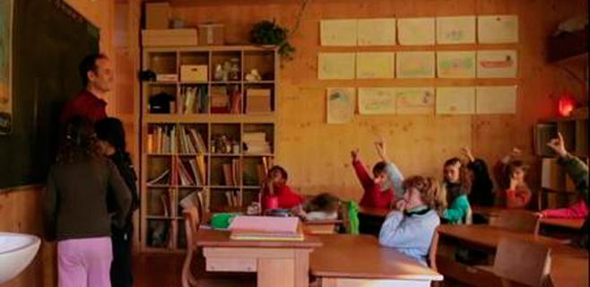 'Plis. Educación por favor' defiende la lengua materna para el aprendizaje
