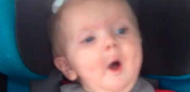 Katy Perry calma el llanto de un bebé con Dark Horse