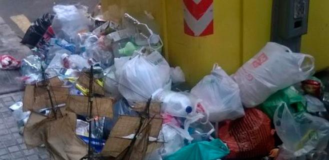 La basura sigue amontonándose en las calles de Palma a pesar del acuerdo