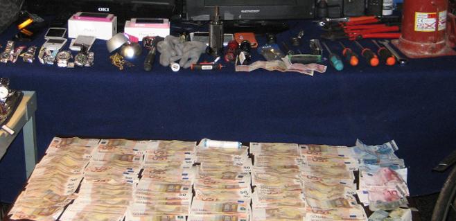 La Policía detiene a 6 butroneros tras atracar una inmobiliaria en Palma