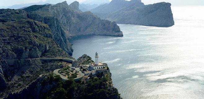 El Consell reabre el tráfico en la carretera que va al faro de Formentor