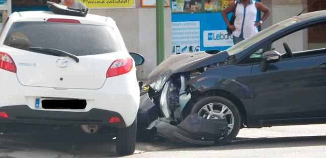 Cuatro heridas en un choque en la calle Aragón