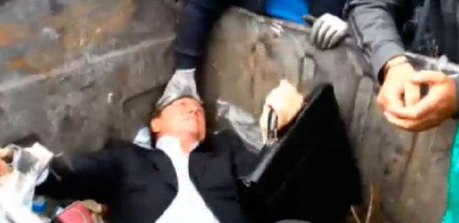 Un diputado ucraniano termina en un contenedor de basura