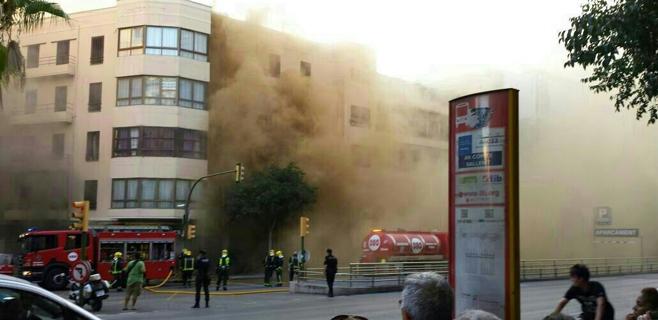 Un espectacular incendio arrasa la casa gallega de las avenidas de palma - La casa gallega palma ...