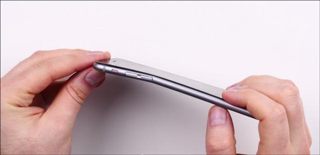El iPhone 6 plus se dobla