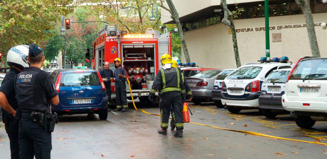 Susto en la Jefatura de Policía de Palma por un incendio en el garaje