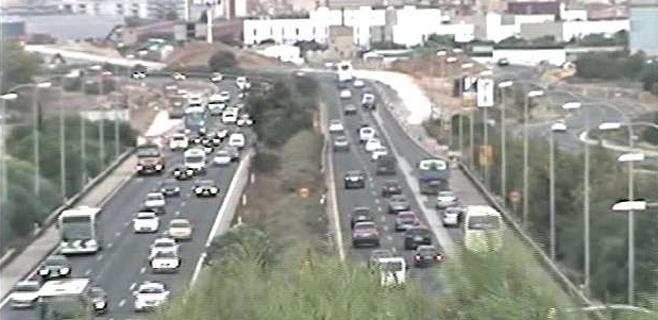 El acceso a Palma por la Ma-19 entra en colapso por el exceso de vehículos