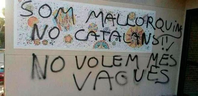 Aparecen pintadas contra la huelga del 15S y anticatalanistas en Son Servera
