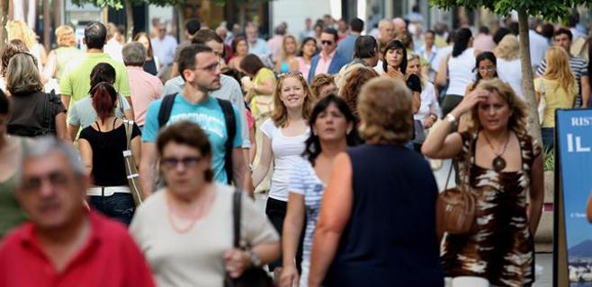 Balears tuvo en agosto una media de población de 1,8 millones de personas