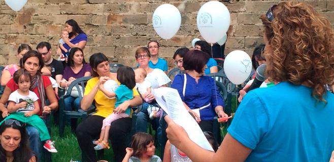 Fiesta de la lactancia materna en el Parc de la Mar
