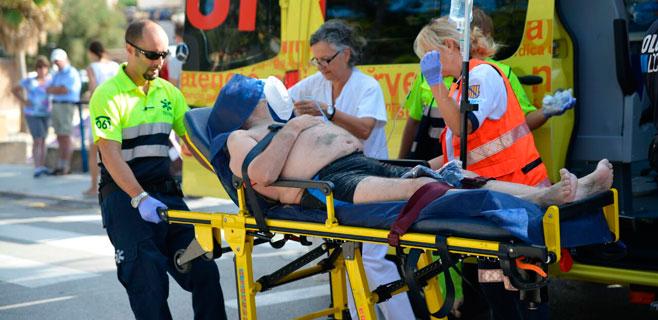 En estado grave un francés tras estar a punto de ahogarse en Sant Elm